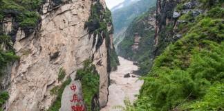 Een meerdaagse wandeling in een rivierkloof in China