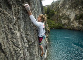 Toplocaties voor deep water solo klimmen