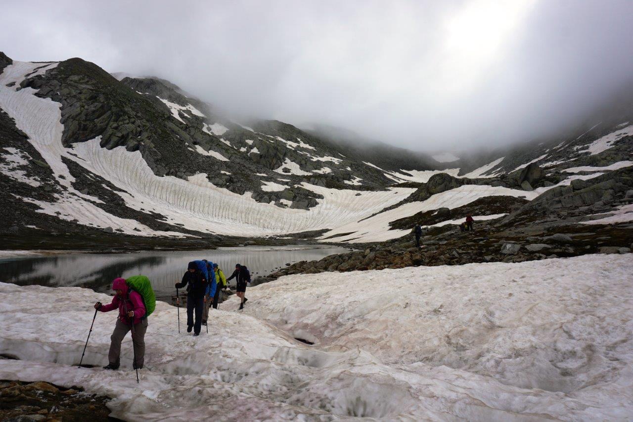 Wandelen in de Zwitserse Alpen, naar de bron van de Rijn 2
