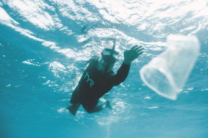 Ben Lecomte zwemt 100 dagen tijdens Icebreaker Vortex Swim