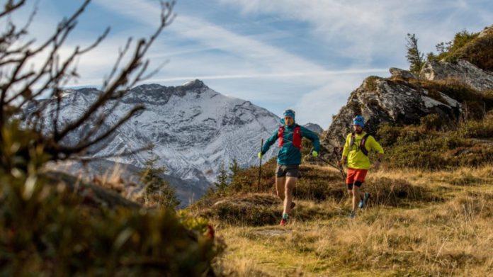 Trailrunnen in de herfst in Zwitserland