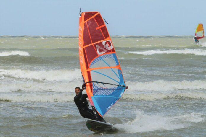 Windsurfen aan de Opaalkust in Frankrijk